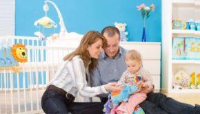 Семья с малышом