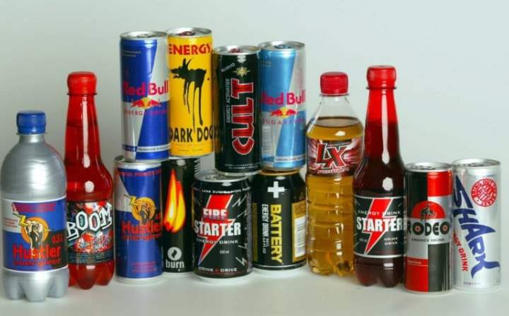 Бутылки с энергетическими напитками