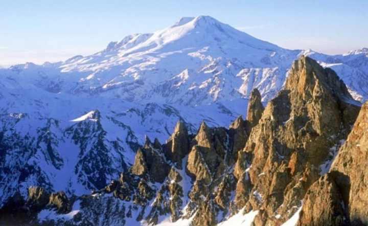 Эльбрус является самой высокой горой России и Европы