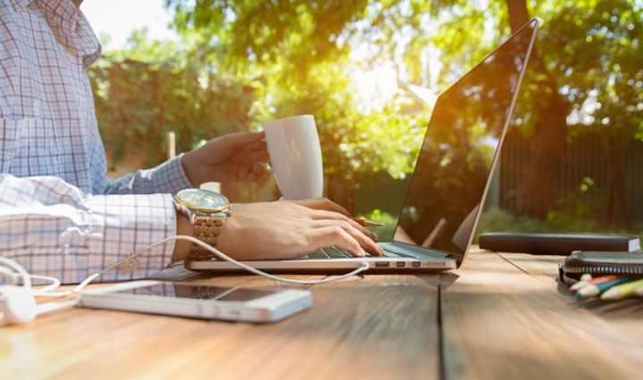 Сокращаются затраты на содержание рабочего места в офисе
