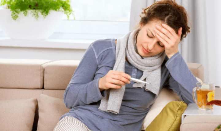 При неправильной работе щитовидной железы происходит нарушение процессов теплорегуляции в организме