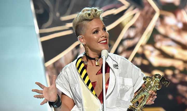 певица получила очередную премию