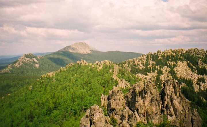 Таганай это национальный парк, который располагается от хребтов Южного Урала до лесостепей