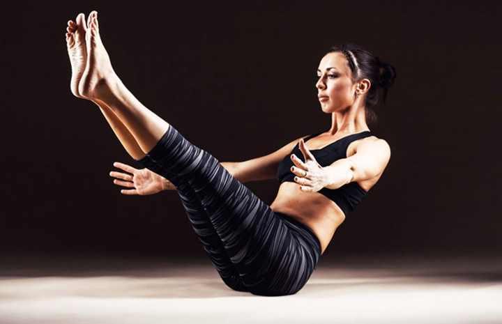 Регулярно выполняя это упражнение, вы сможете укрепить прямую мышцу живота