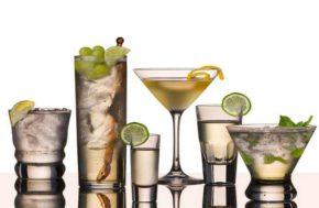 До приема алкоголя хорошо поешьте какую-то высококалорийную пищу