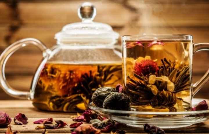 Употребление слишком горячего чая способно привести к кровотечению