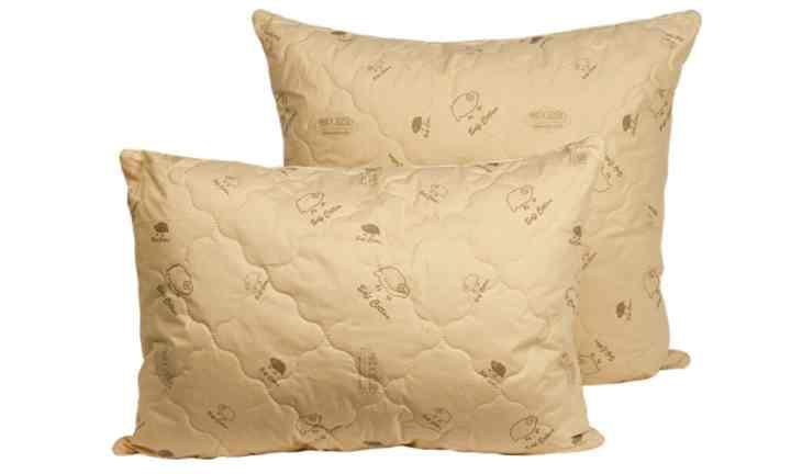 Для наполнения подушке используется обработанная и очищенная овечья шерсть
