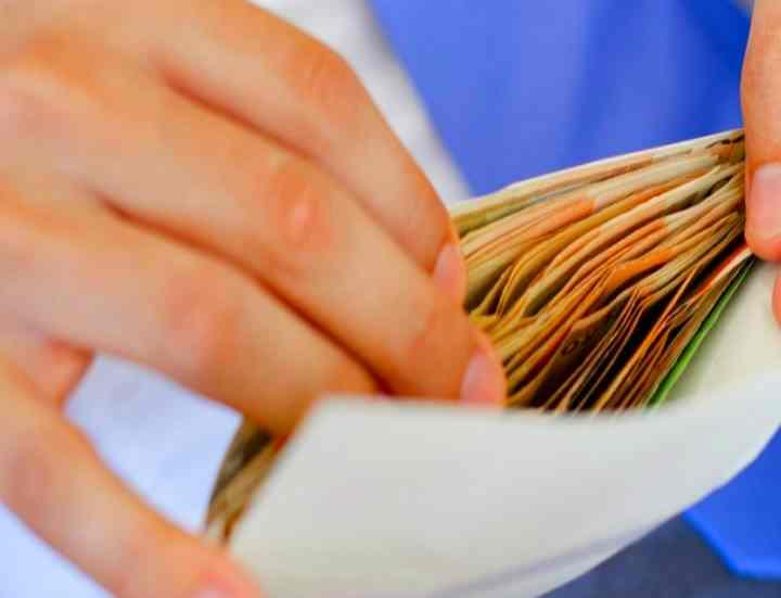 Серая зарплата: ответственность работодателя, куда жаловаться и как доказать?