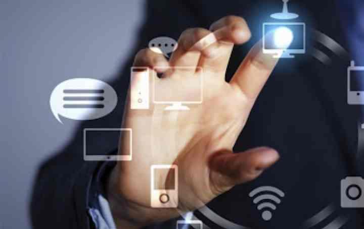 веб-разработчики, системные администраторы, разработчики мобильных приложений