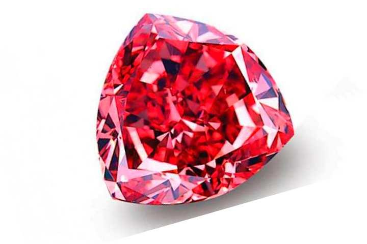 Бриллиант «Красный Мусаев» был найден в Бразилии