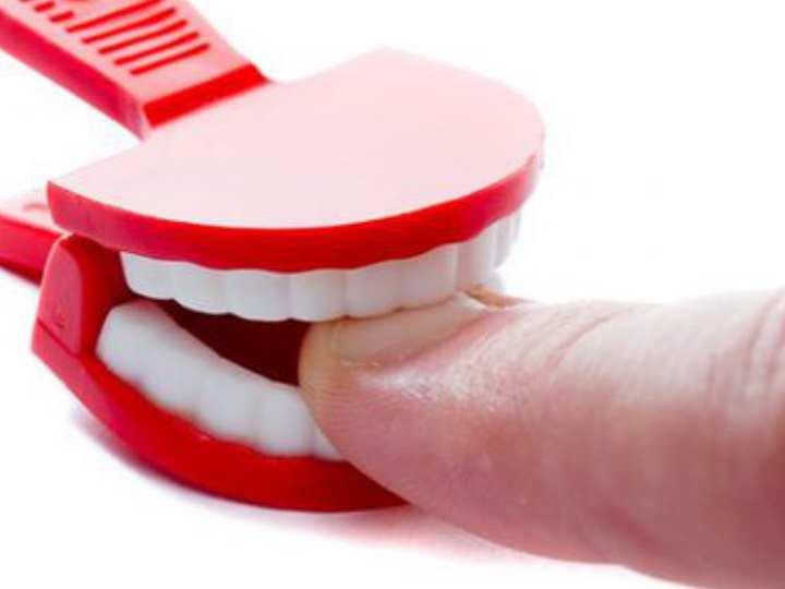 Ещё наши родители и бабушки использовали в борьбе с привычкой грызть ногти хозяйственное мыло