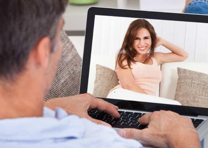 Если есть желание попробовать знакомство онлайн, то почему бы и нет
