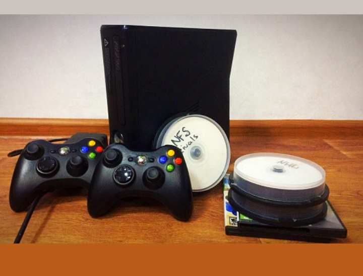 Чистый диск DVD+R DL, как минимум на 8,5 ГБ,