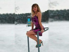В центральной России раньше на празднике проводили шествие девушек