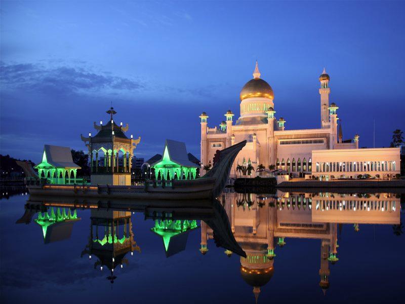 Огромное внимание в Брунее уделяется развитию банковской системы