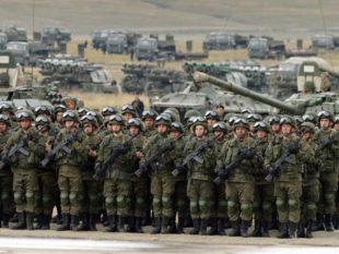 наша страна самостоятельно владеет сильным оборонно-промышленным комплексом и продает оружие на мировом рынке, а также приобретает технику и вооружение у российских компаний.